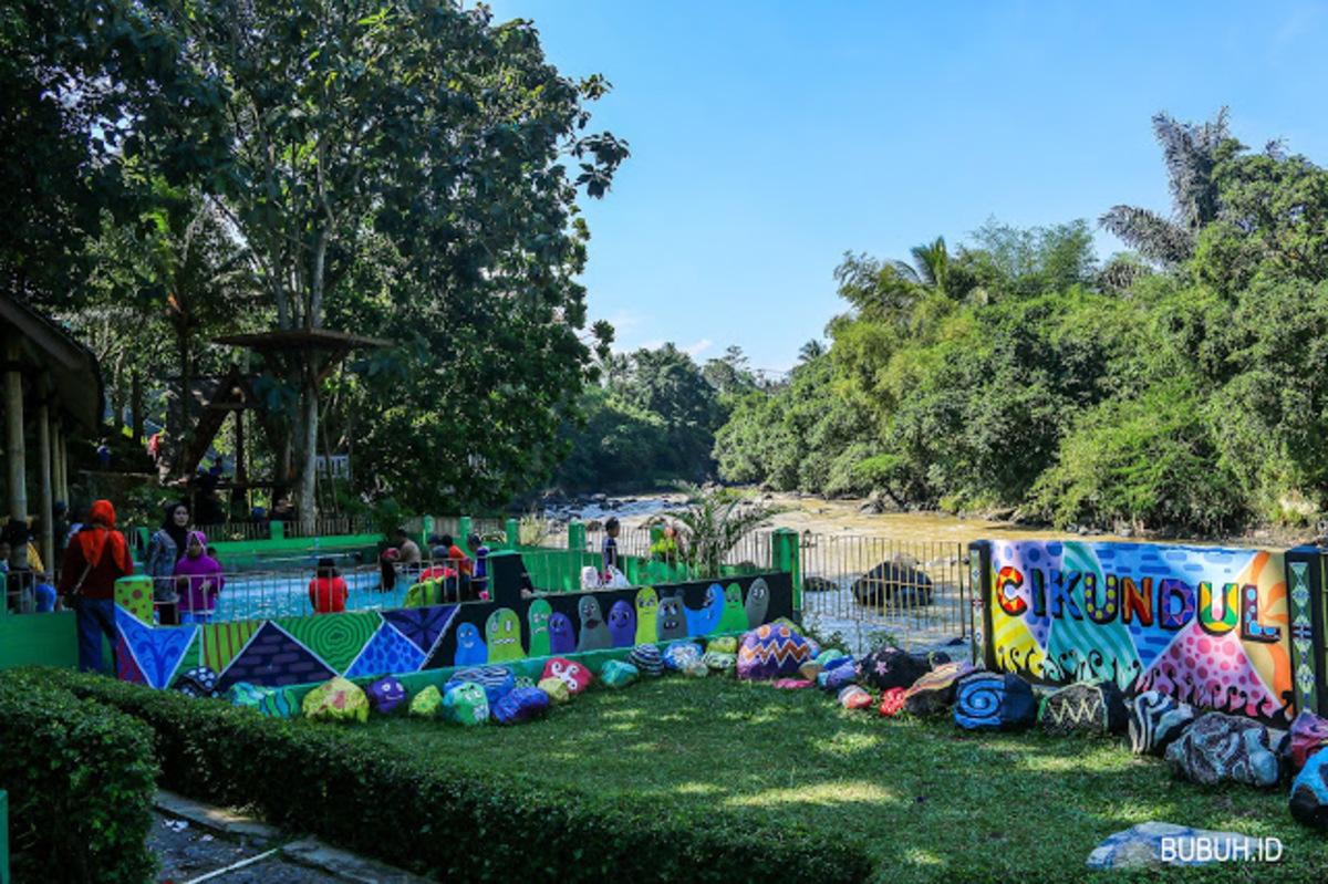 Beberapa Hal yang ada di Taman Pemandian Air Panas Cikundul Sukabumi – Penasaran ?