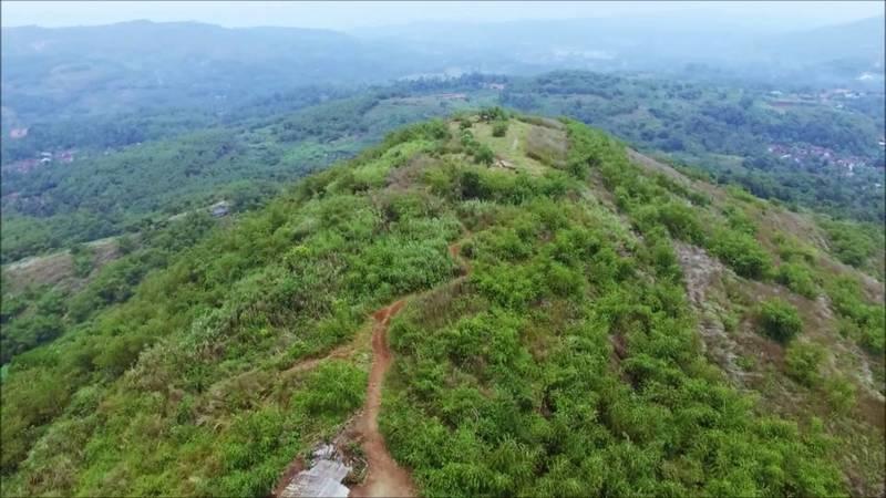 Large gunung4